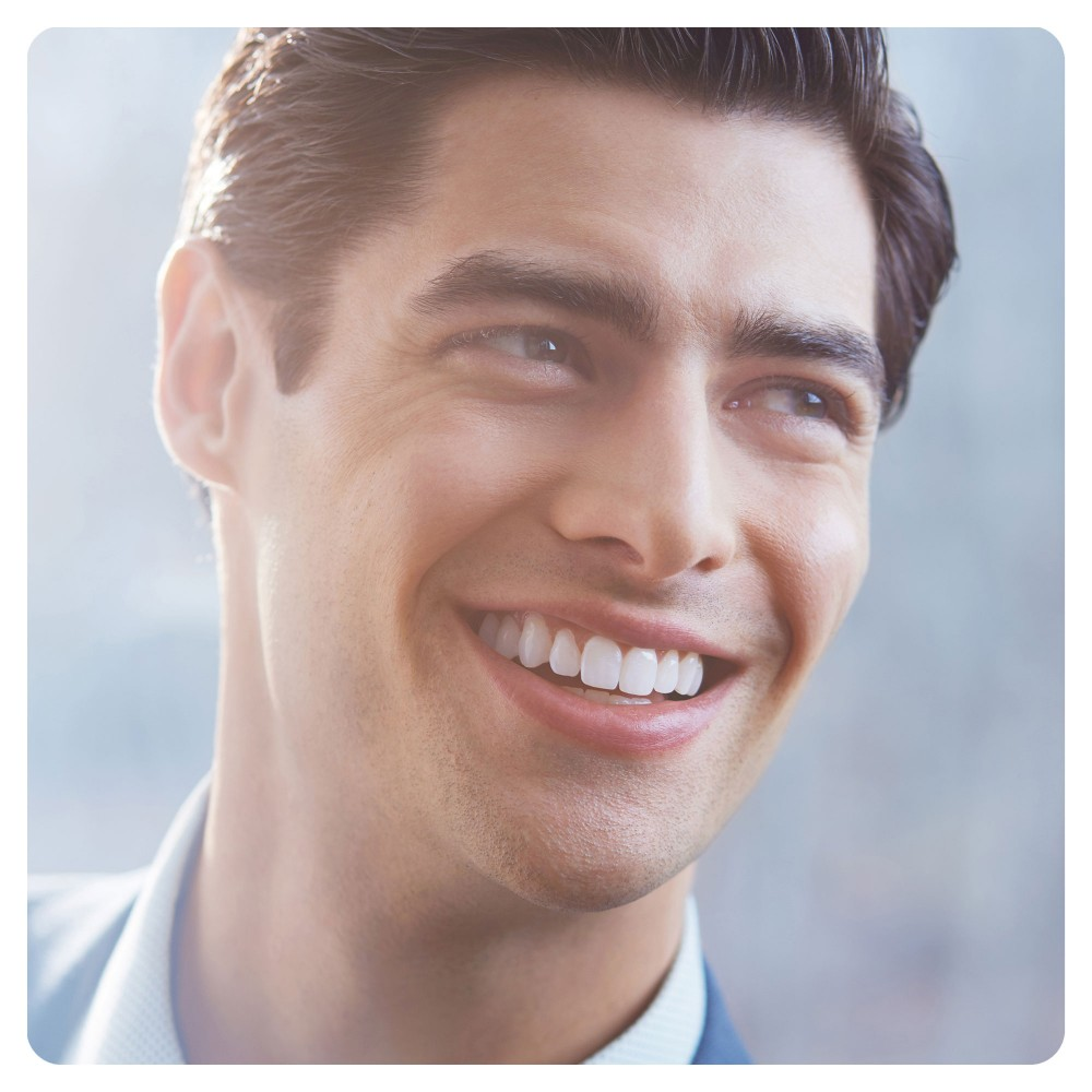 Электрическая зубная щетка Oral-B Vitality CrossAction Black D100.413.1