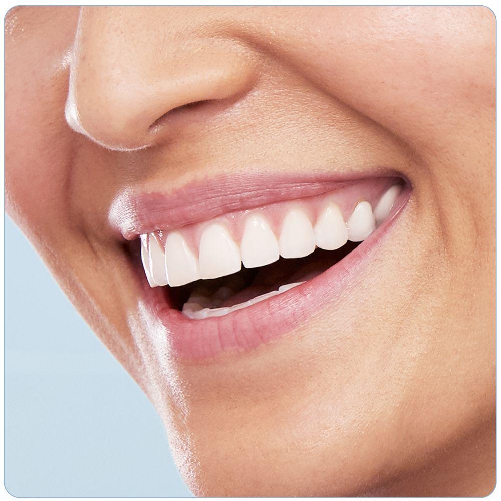 Электрическая зубная щетка Oral-B PRO 800 D 16.524.3U