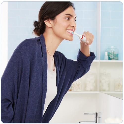 Электрическая зубная щетка Oral-B Smart 4 4000N D601.524.3