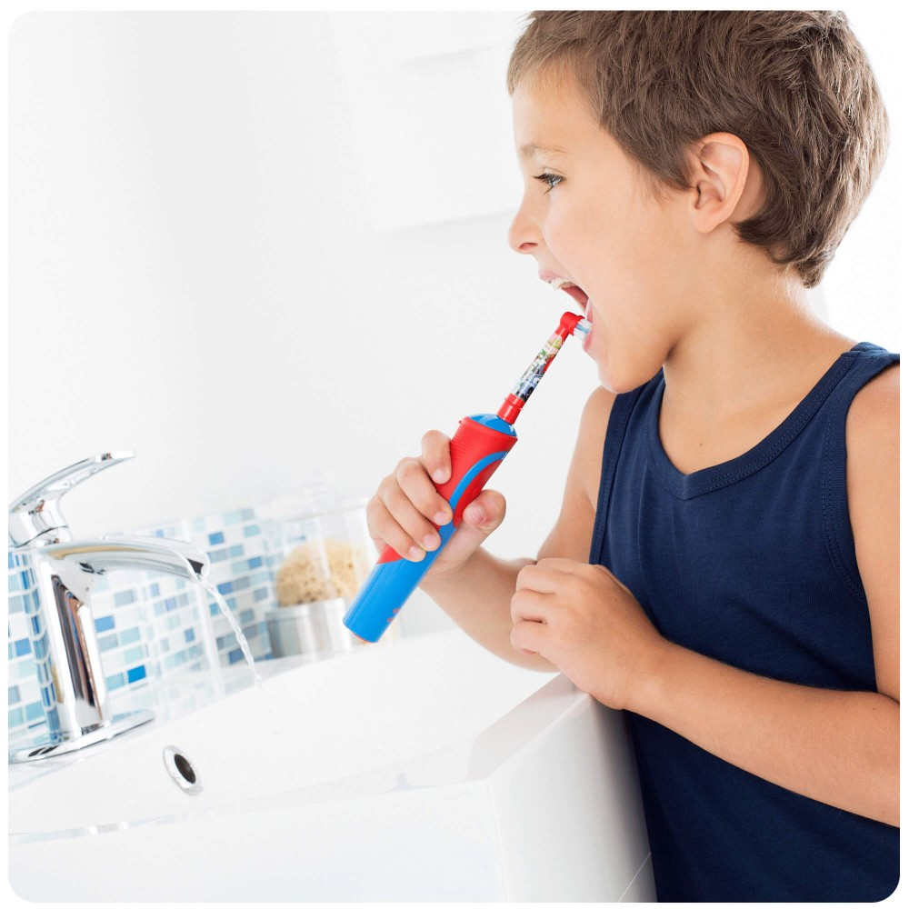 Детская электрическая зубная щетка Oral-B Vitality D12.513K Cars Kids